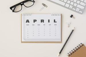 calendario di aprile pianificatore vista dall'alto. bellissimo concetto di foto di alta qualità