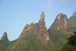 catena montuosa di teresopolis, dito della nostra signora, dito di dio e testa di pesce, rio de janeiro, brasile foto