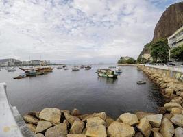 barche a piazza urca a rio de janeiro, brasile foto