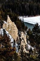 vedute della valle di prua dalla montagna del tunnel. parco nazionale di banff, alberta, canada foto