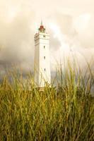 il faro blavandshuk fyr sulla costa occidentale della danimarca foto
