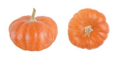 zucca arancione con vista laterale e dall'alto isolato su uno sfondo bianco. foto