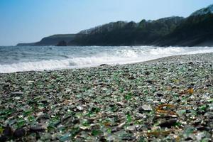spiaggia di vetro a vladivostok. foto