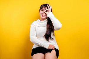 ritratto di una bella donna asiatica con una faccia sorridente. asiatico foto