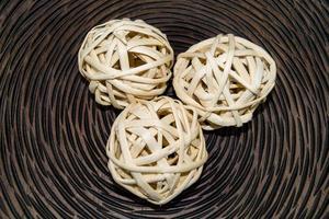 palline di vimini in legno per la decorazione foto