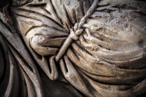 epigrafe di epoca antica storica su pietra lapidea di marmo foto