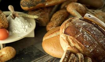 delizioso concetto di pane fresco foto