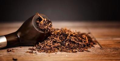 dipendenza malsana nicotina tabacco da pipa sigaro foto