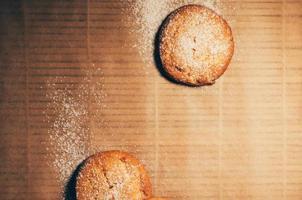 biscotti rotondi primo piano piatto vista dall'alto foto