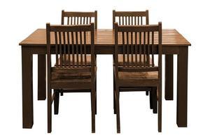 tavolo da pranzo in legno impostato isolato. foto