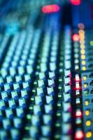attrezzatura musicale etnetrainment mixer dj audio foto