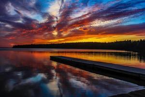 lago chiaro equitazione parco nazionale di montagna manitoba canada foto