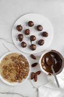 delizioso dessert vegano ad alto contenuto proteico foto