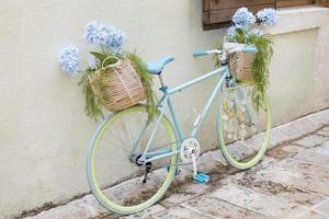 bici dall'aspetto creativo in montenegro foto