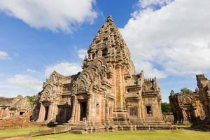 impressionante prasat hin phanom rung antico tempio khmer foto