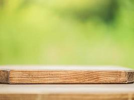 sfondo in legno soft focus sullo sfondo della natura. foto