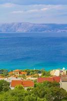 novi vinodolski in croazia in una giornata di sole foto