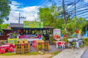 ristorante tailandese di cibo di strada nel villaggio di pescatori, koh samui, thailandia, 2018 foto