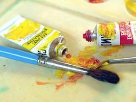pennello, colore e tavolozza foto