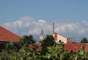 vista sullo skyline di settimo torinese foto
