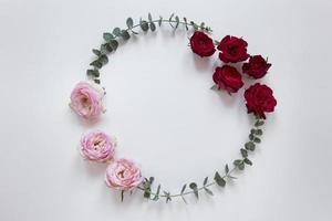 vista dall'alto splendido assortimento di fiori foto