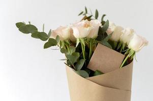 il bellissimo bouquet di fiori naturali foto