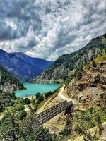 diga di kishananga sul fiume neelum nella valle del neelum gurez kashmir foto