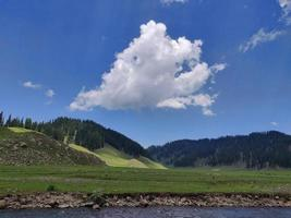 valle del bangus nel kupwara kashmir foto