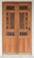 porta rustica in legno antico. foto