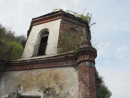 rovine della cappella gotica a chivasso, italia foto