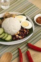 arrangiamento del pasto tradizionale nasi lemak foto