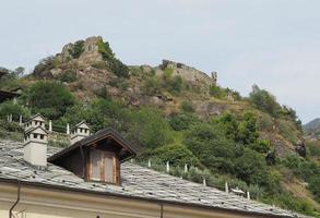 rovine del castello a pont saint martin foto