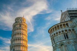 duomo di pisa e torre pendente foto