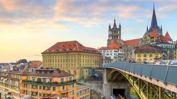 centro di losanna skyline della città in svizzera foto