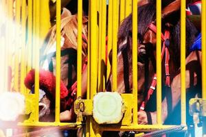 cancelli di partenza per le corse di cavalli derby a salatiga, java centrale indonesia. foto