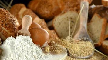 delizioso mix fresco di pane concetto di cibo foto