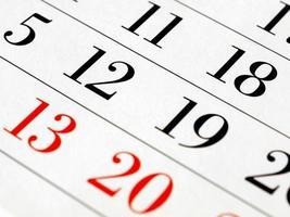 pagina del calendario con messa a fuoco selettiva foto