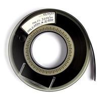 bobina di nastro su bianco foto