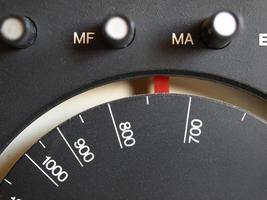 vecchio sintonizzatore radio FM foto