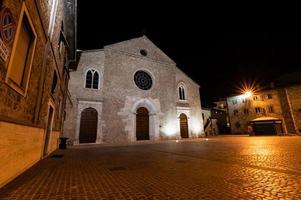 chiesa di san francesco vieste di notte a terni foto