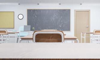 piano del tavolo in un'aula scolastica foto