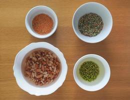 misti di fagioli, lenticchie e piselli foto
