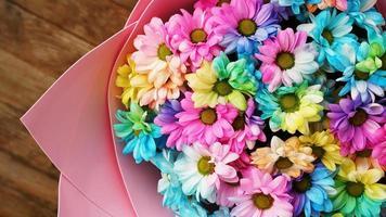 primo piano fiore bouquet di fiori arcobaleno foto