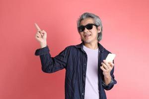 uomo in rosa foto
