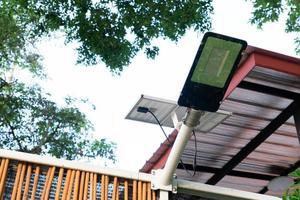 luce ad energia solare foto