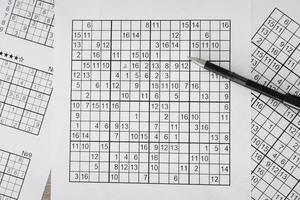 la disposizione della pagina del gioco di sudoku foto