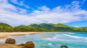 Praia Lopes Mendes spiaggia sull'isola tropicale ilha grande brasile. foto