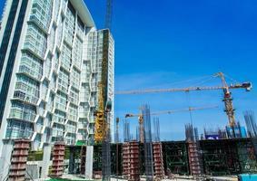 l'edificio in costruzione al sito foto