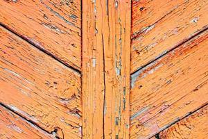 struttura in legno con graffi e crepe foto