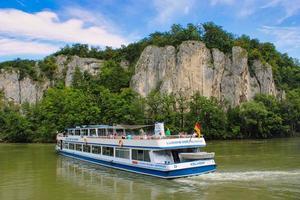 germania, 2021 - gita in barca da kehlheim a weltenburg sul fiume Danubio foto